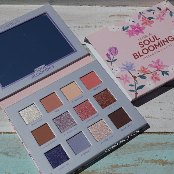 Shimmer & Strobe Highlighting Palette by Flower Beauty #17